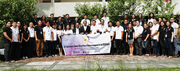 Participants of the ASEAN LiDAR Training pose with Phil-LiDAR 1 Program Leader D